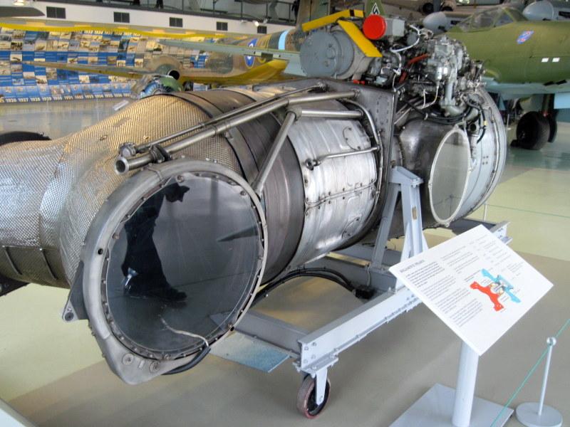 海外ツーリング イギリス ロンドン近郊 オードバイ博物館 イギリス空軍博物館 ハリアーのエンジン@RAF museum