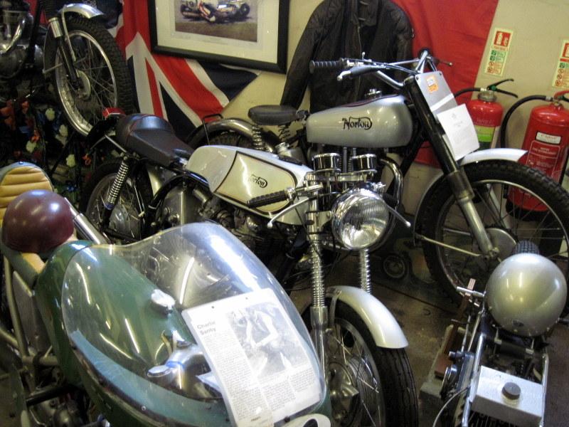 海外ツーリング イギリス ロンドン近郊 オードバイ博物館 イギリス空軍博物館  ノートンも多く保有@London Motorcycle Museum
