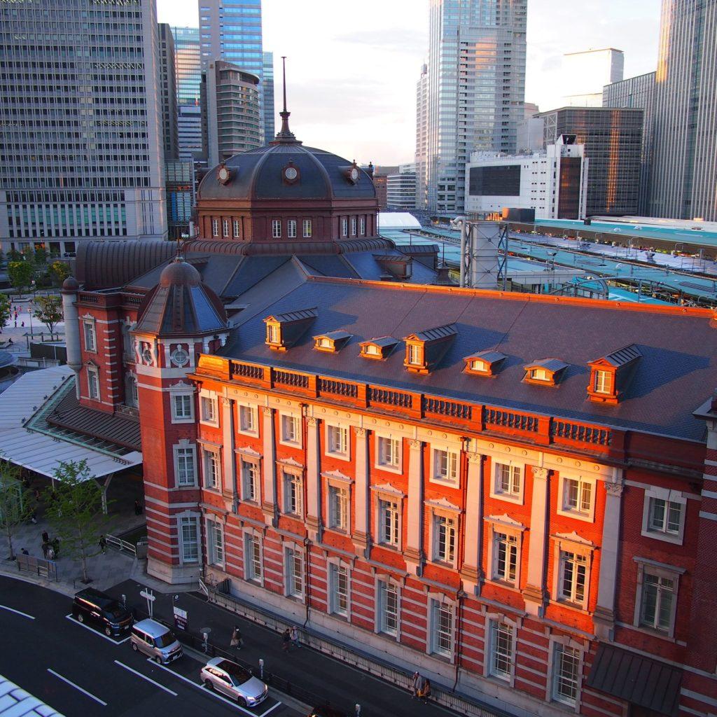 東京大学の博物館 無料 ケ ブランリ美術館 インターメディアテク 東京大学総合研究博物館  夕暮れの東京駅@ インターメディアテク屋上より