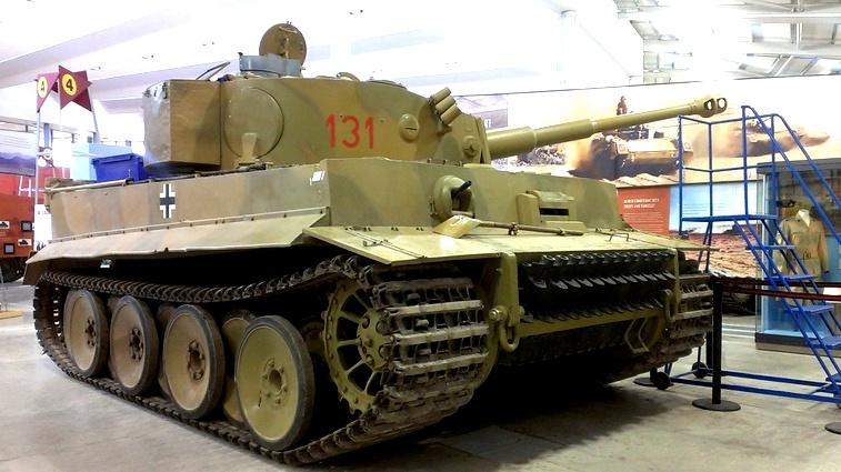 海外ツーリング-イギリス編 4 / 世界一の戦車博物館であるボービントン戦車博物館と世界遺産ストーンヘンジ