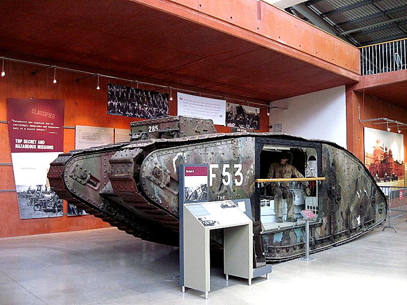 海外ツーリング イギリス ボービントン戦車博物館 ストーンヘンジ 初代戦車MarkⅡ@Bovington Tank Museum
