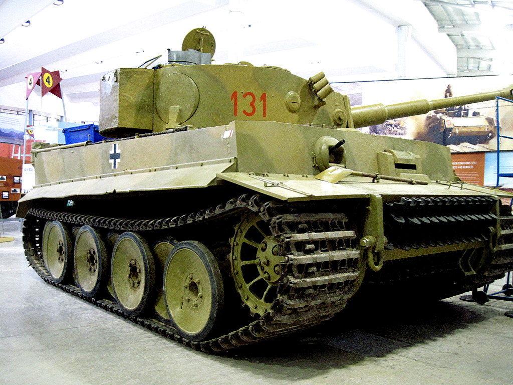 海外ツーリング イギリス ボービントン戦車博物館 ストーンヘンジ  タイガー131@Bovington Tank Museum