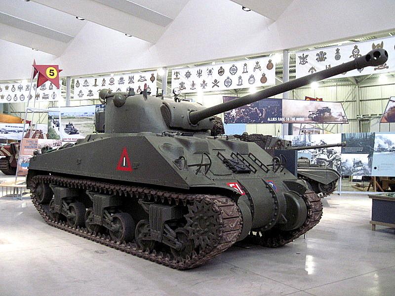 海外ツーリング イギリス ボービントン戦車博物館 ストーンヘンジ ファイアフライ@Bovington Tank Museum
