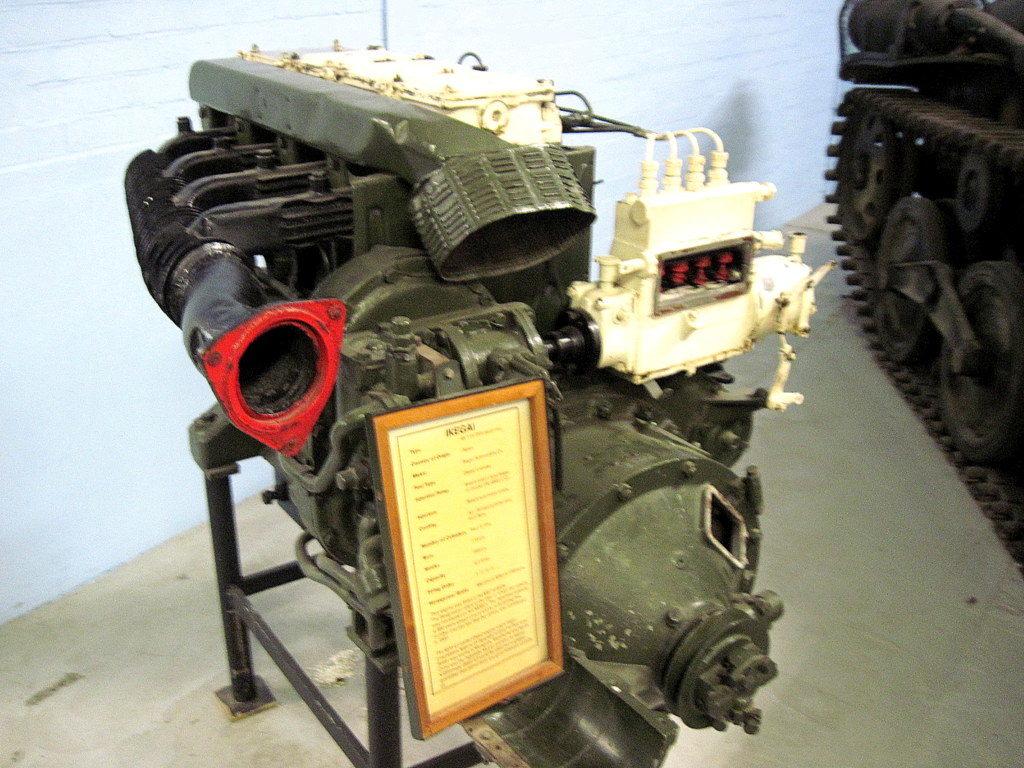 海外ツーリング イギリス ボービントン戦車博物館 ストーンヘンジ 九五式軽戦車搭載のIKEGAIエンジン@Bovington Tank Museum