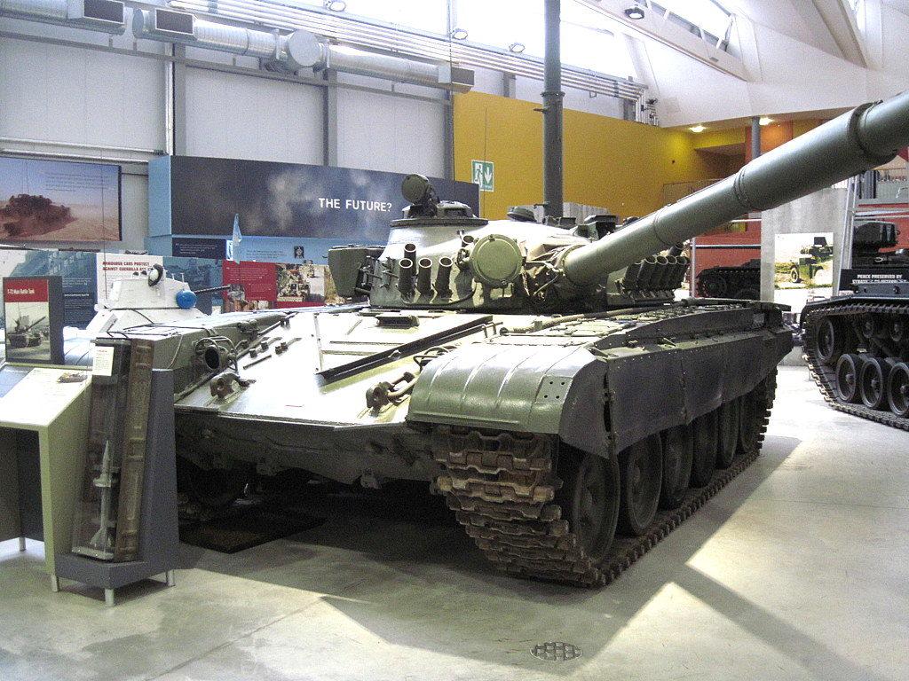 海外ツーリング イギリス ボービントン戦車博物館 ストーンヘンジ ソ連のT72@Bovington Tank Museum