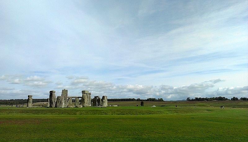 海外ツーリング イギリス ボービントン戦車博物館 ストーンヘンジ 丘陵地帯にある@Stonehenge