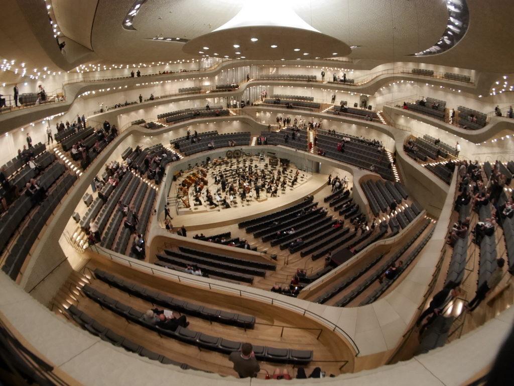 中空に浮かぶ巨大コンサートホール エルプ フィルハーモニー・ハンブルク コンサートホール内部@Elphi, Hamburg