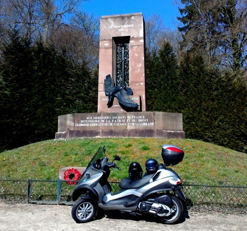 海外ツーリング フランス パリ オートバイレンタル コンピエーニュの森 アルザス=ロレーヌの記念碑@Forêt de Compiègne