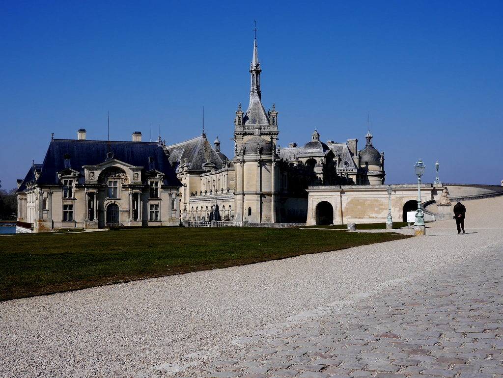 海外ツーリング フランス パリ オートバイレンタル シャンティイ城 コンデ美術館 牡蠣の昼食 大厩舎 オーマル公の居城 @ Château de Chantilly - Musée Condé