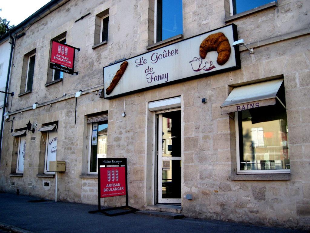 海外ツーリング フランス パリ オートバイレンタル シャンティイ城 コンデ美術館 牡蠣の昼食 大厩舎   こぢんまりとしたパン屋 @Le Goûter de Fanny et Florian
