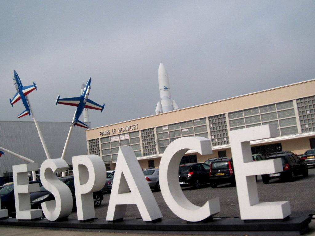 海外ツーリング フランス パリ オートバイレンタル ル ブルジェ航空宇宙博物館 コンコルド 珍しい機体 ル・ブルジェ航空宇宙博物館玄関@Aéroport de Paris-Le Bourget