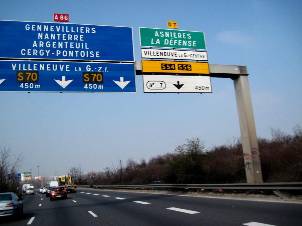 海外ツーリング フランス パリ オートバイレンタル ゴッホ オーヴェル シュル オワーズ 外環高速でパリ市内を迂回@A86