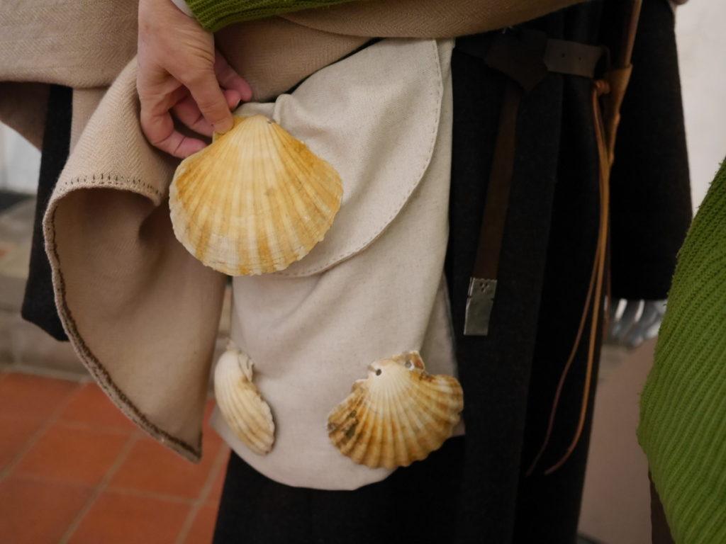 オランダ デンボス スヘルトゲンボス 訪問記 中中世の主婦の暮らしぶり 中世の資料館  ホタテ貝の装着事例@Groot Tuighuis