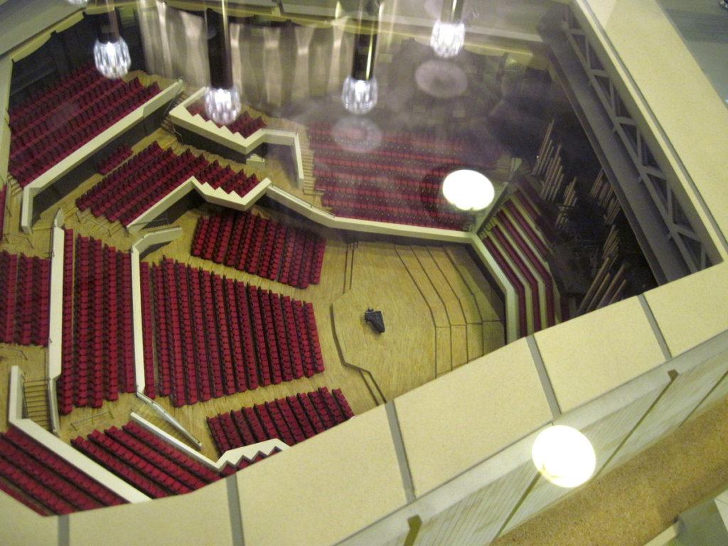 ヴィンヤード型コンサートホール ライプツィヒ・ゲヴァントハウス 3代目ゲヴァントハウス模型内部 @Leipzig