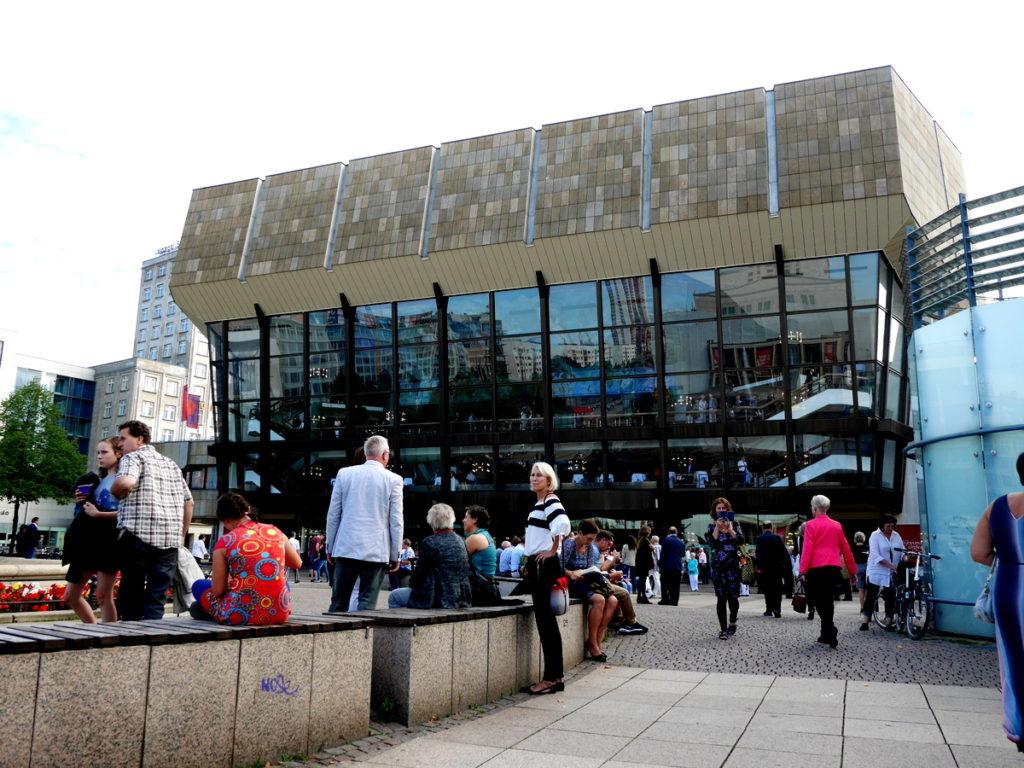 ヴィンヤード型コンサートホール ライプツィヒ・ゲヴァントハウス  正面入口  @Gewandhaus zu Leipzig