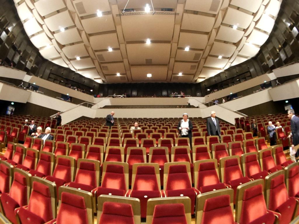 ヴィンヤード型コンサートホール ライプツィヒ・ゲヴァントハウス 座り心地のよい椅子 @Gewandhaus zu Leipzig