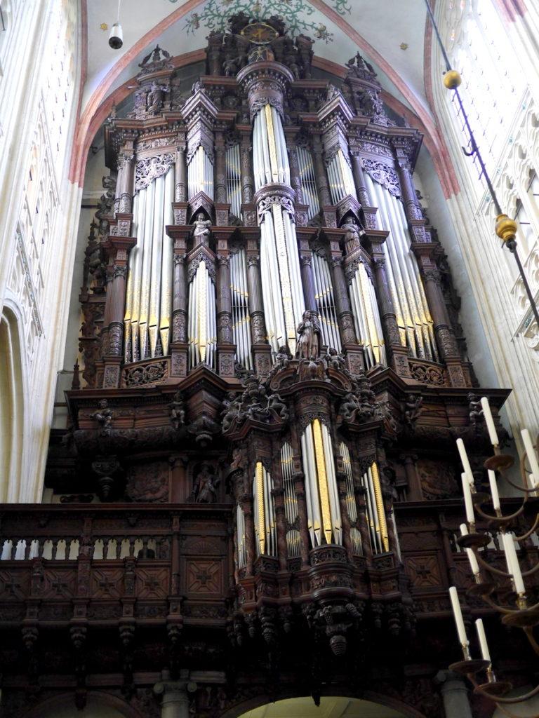 オランダ デンボス スヘルトゲンボス 訪問記 聖ヤン大聖堂 聖ジャンス聖堂 怪物たち 天使像   聖ヤン大聖堂のオルガン@Sint-Janskathedraal