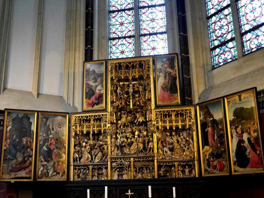 オランダ デンボス スヘルトゲンボス 訪問記 聖ヤン大聖堂 聖ジャンス聖堂 怪物たち 天使像   聖ヤン大聖堂の祭壇@Sint-Janskathedraal