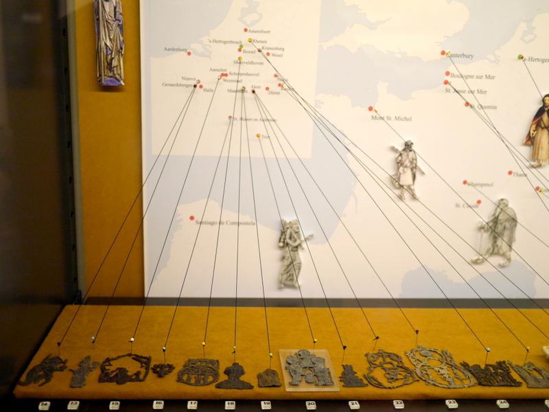 オランダ デンボス スヘルトゲンボス 訪問記 中中世の主婦の暮らしぶり 中世の資料館  各聖地の巡礼バッチ@Groot Tuighuis