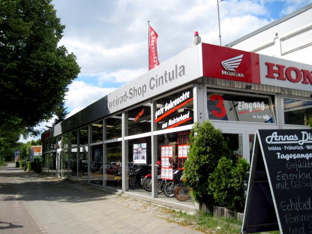 海外ツーリング ドイツ ベルリン オートバイレンタル  バイク屋外観@Zweirad-Shop Cintula
