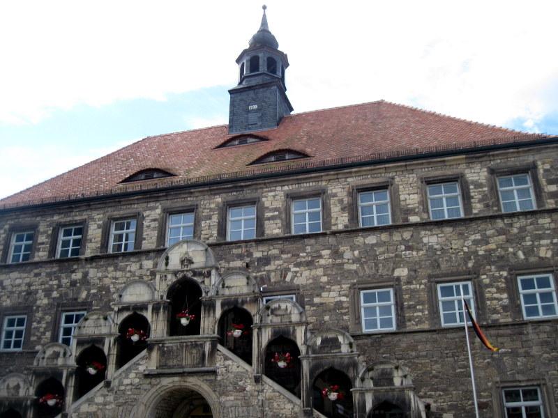 海外ツーリング ドイツ 旧東ドイツ ザーレ ウンシュトルート ワイン街道 ワイナリー 法律 ベーゼン  市庁舎@Laucha an der Unstrut