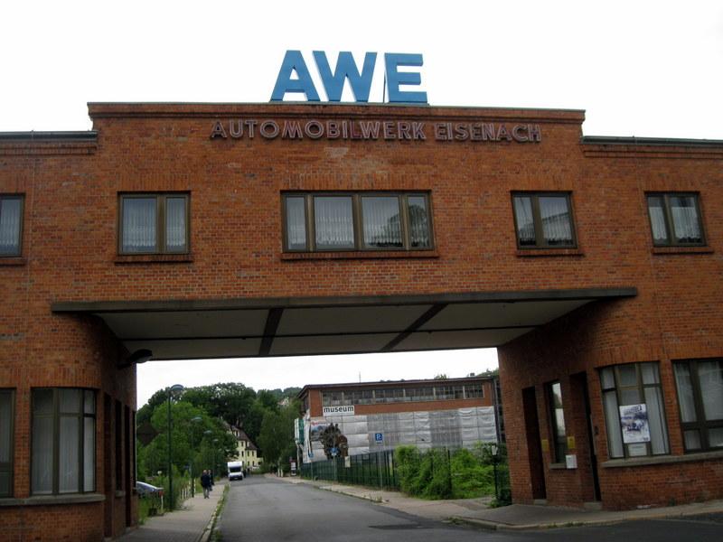海外ツーリング ドイツ 旧東ドイツ オートバイレンタル アイゼナハ ヴァルトブルク城 ワルトブルク城 旧BMWアイゼナハ工場  立派な門構え@Team Automotive Museum Eisenach e.V.