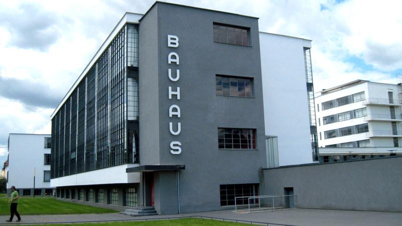 海外ツーリング-ドイツ編 6 / デッサウでユンカース技術博物館とバウハウスのデッサウ校