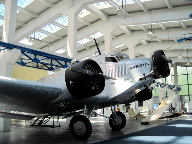 海外ツーリング ドイツ 旧東ドイツ オートバイレンタル デッサウ バウハウス デッサウ校 ユンカース技術博物館  Ju 52外観@Technikmuseum Hugo Junkers
