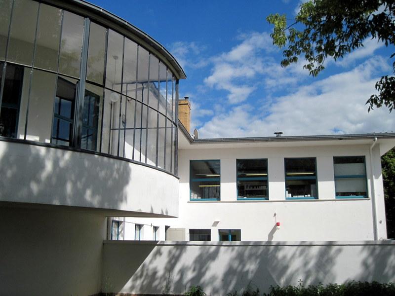 海外ツーリング ドイツ 旧東ドイツ オートバイレンタル デッサウ バウハウス デッサウ校  コーンハウス@Kornhaus Dessau
