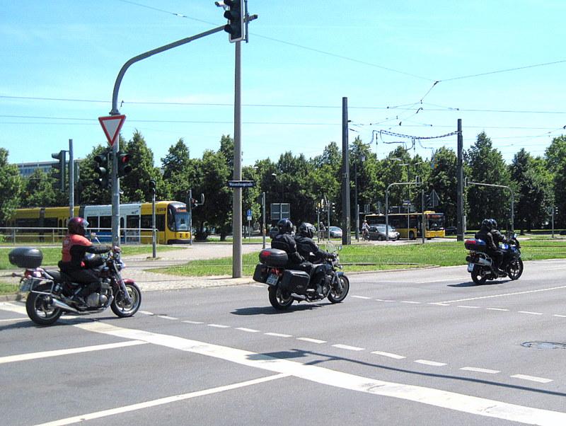 海外ツーリング ドイツ 旧東ドイツ オートバイレンタル デッサウ  ベルリン タンデムは大型バイクが目立つ@ Dresden
