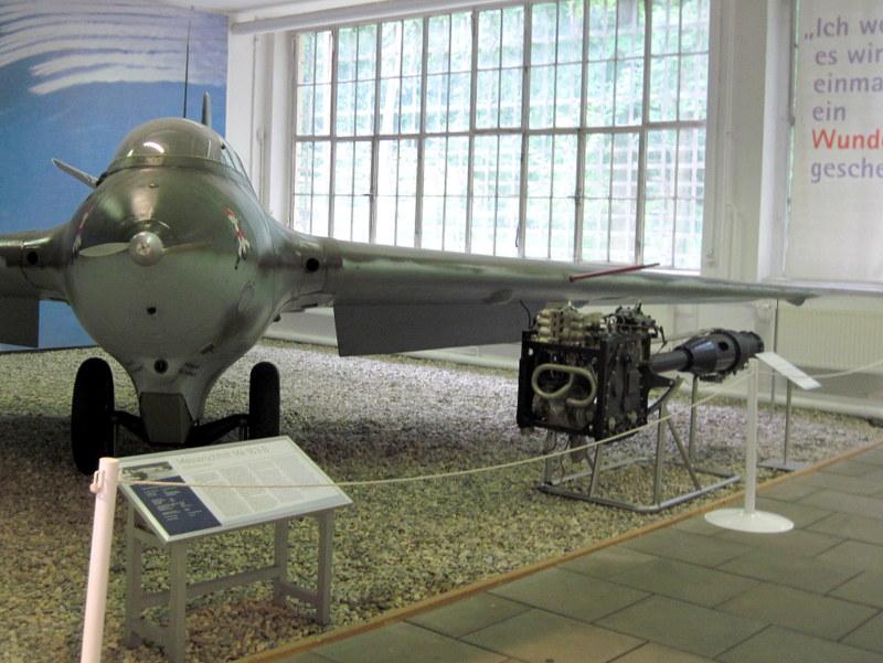 海外ツーリング ドイツ 旧東ドイツ オートバイレンタル  ベルリン ポツダム ドイツ空軍博物館