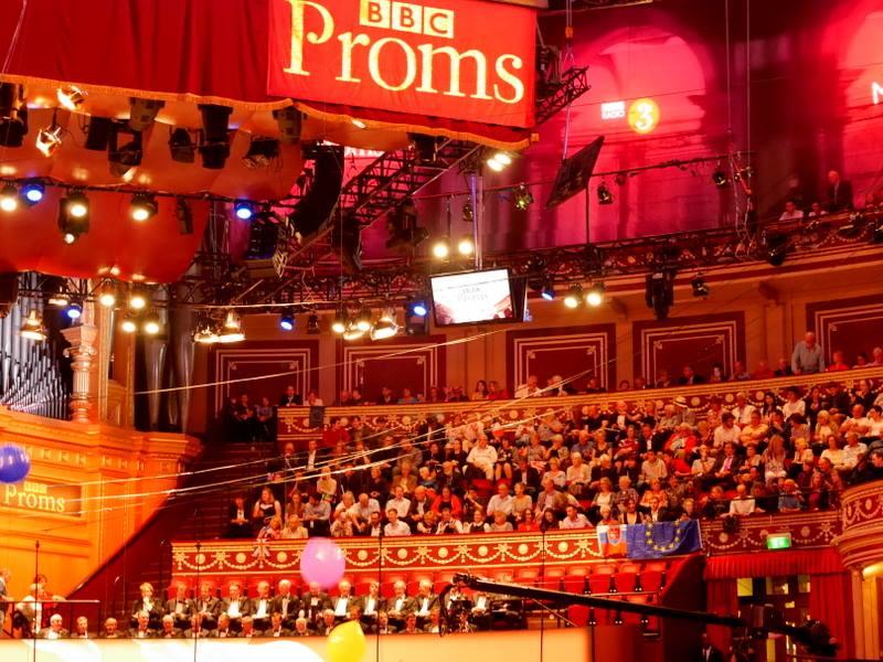 BBCプロムス最終夜の裏側 会場で欧州旗が目立った アップグレードがなければこちらの最上階席@Royal Albert Hall