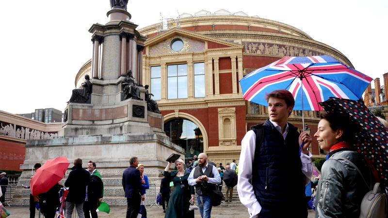 BBCプロムス最終夜と巨大祝祭空間に変貌するコンサートホール / ロイヤル・アルバート・ホール 見学記