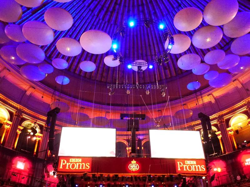 BBCプロムス最終夜とロイヤル・アルバート・ホール  たくさんの音響モジュール  @Royal Albert Hall