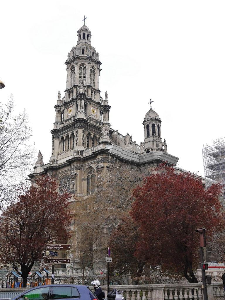 メシアン 世の終わりのための四重奏曲 ゲルリッツの捕虜収容所 時の終わりへ メシアンカルテットの物語  サントトリニテ教会外観 @Église de la Sainte-Trinité de Paris