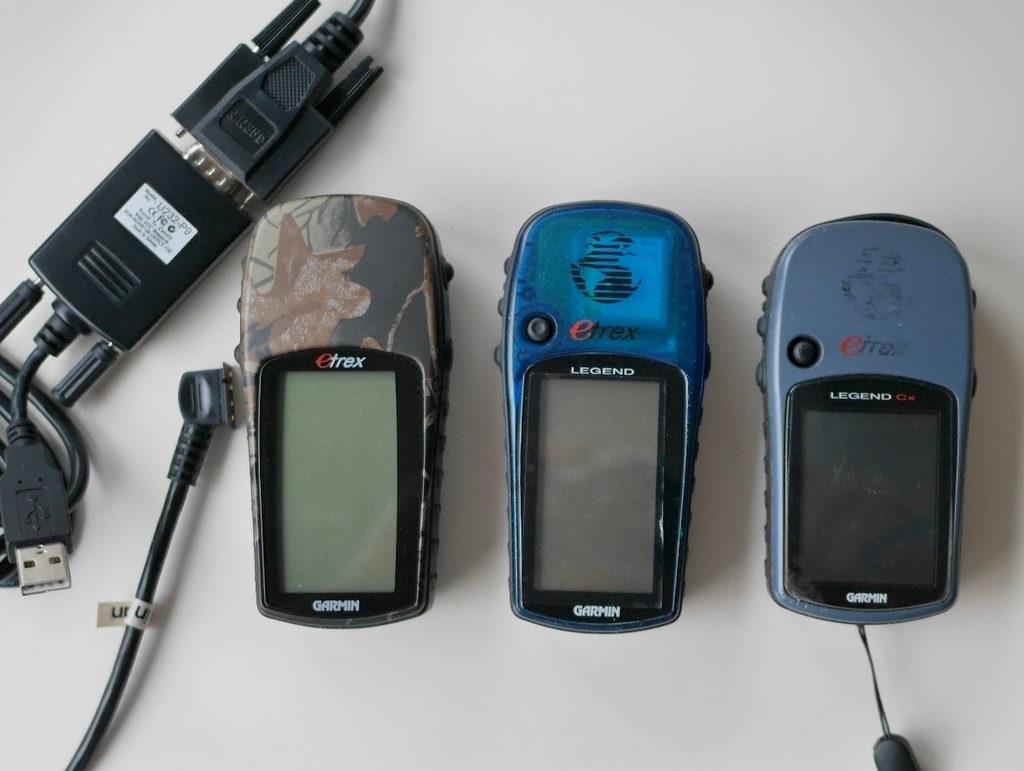 旅の思い出に ガーミン(GAMIN)の携帯GPS eTrex eTrex Camo(写真左)eTrex Legend(写真中央)eTrexCx(写真右)
