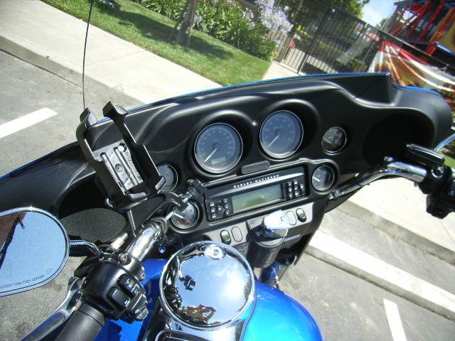 旅の思い出に ガーミン(GAMIN)の携帯GPS eTrex アメリカでレンタルしたハーレーダビッドソンに 【RAMマウントシリーズ】 クランプベース RAM-B-121BU  を取り付け