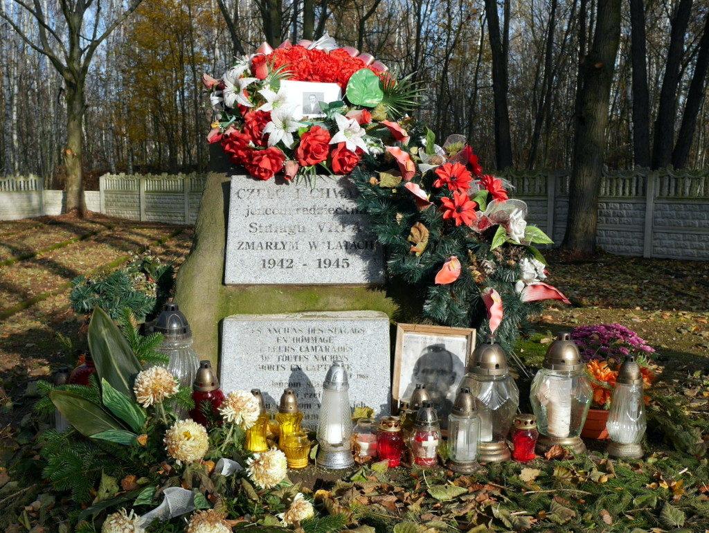 メシアン 世の終わりのための四重奏曲 ゲルリッツの捕虜収容所 時の終わりへ メシアンカルテットの物語 ソ連兵の墓