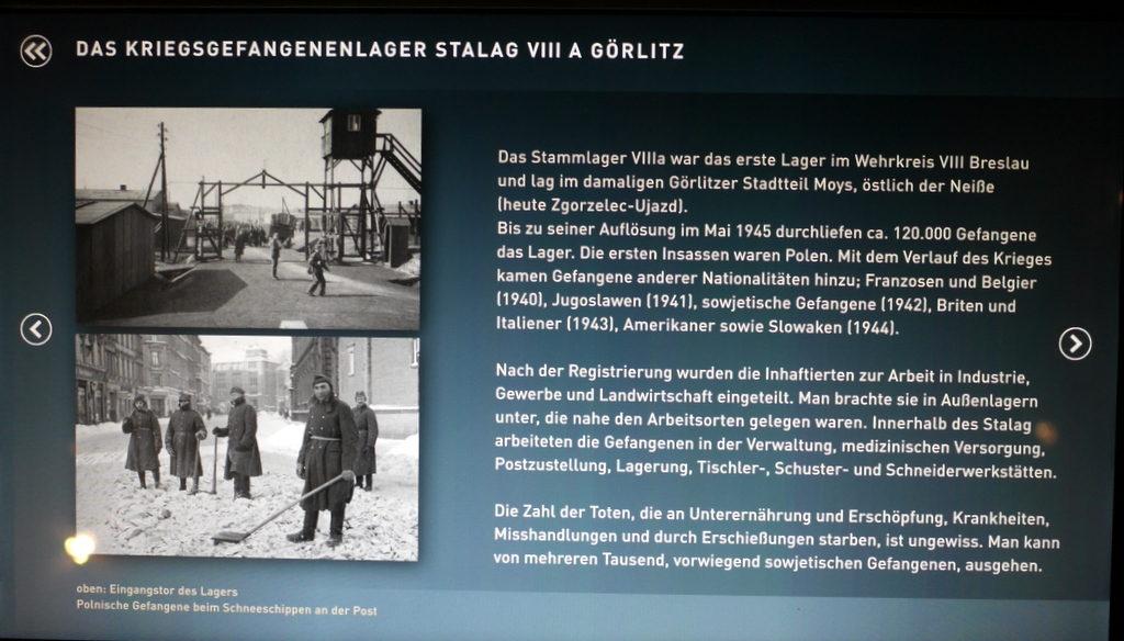 メシアン 世の終わりのための四重奏曲 ゲルリッツの捕虜収容所 時の終わりへ メシアンカルテットの物語 捕虜収容所 Stalag VIII-Aの画面説明@ゲルリッツ歴史博物館