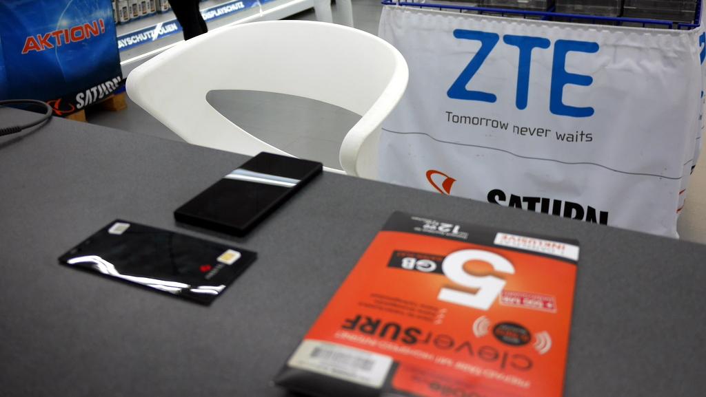 旅行はSIMフリースマホとタブレット2台持ちで快適に / 海外SIMの各国での購入の仕方、準備、使い分け
