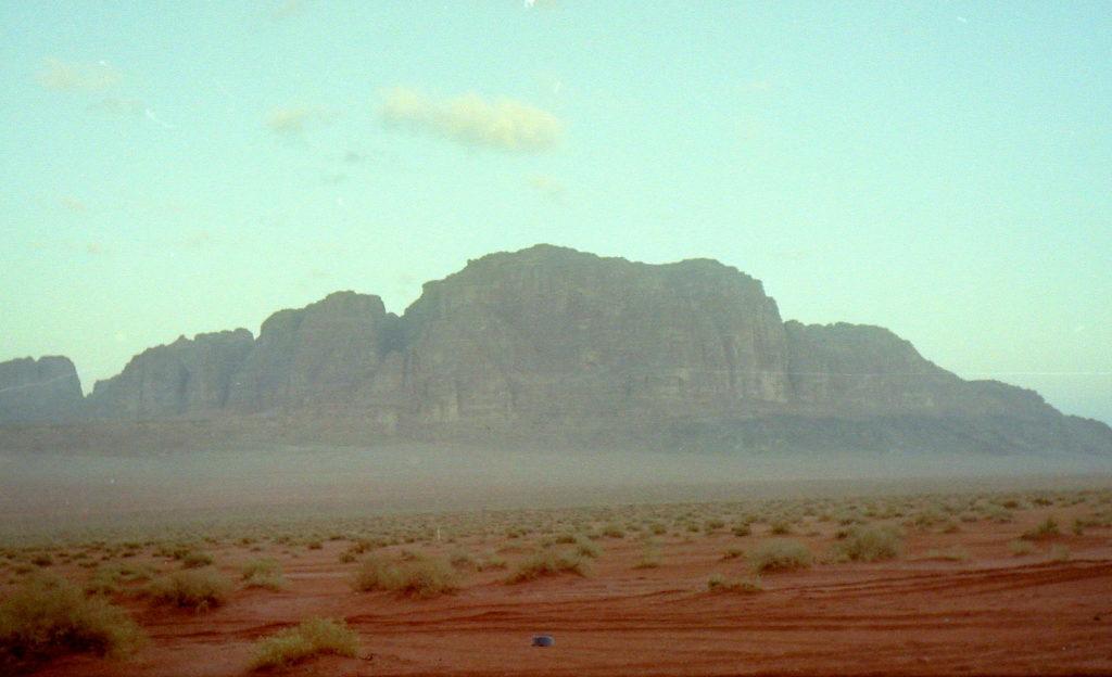 スターウォーズ ハリウッド クラシック音楽 砂漠 ジョン ウィリアムズ コルンゴルト 蓮實重彦 静寂の朝のワジラム/ワディラム砂漠、数々の映画のロケ地となった@ヨルダン ワジラム/ワディラム砂漠