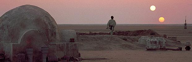 スターウォーズ ハリウッド クラシック音楽 砂漠 ジョン ウィリアムズ コルンゴルト 蓮實重彦 エピソード4での2つの太陽