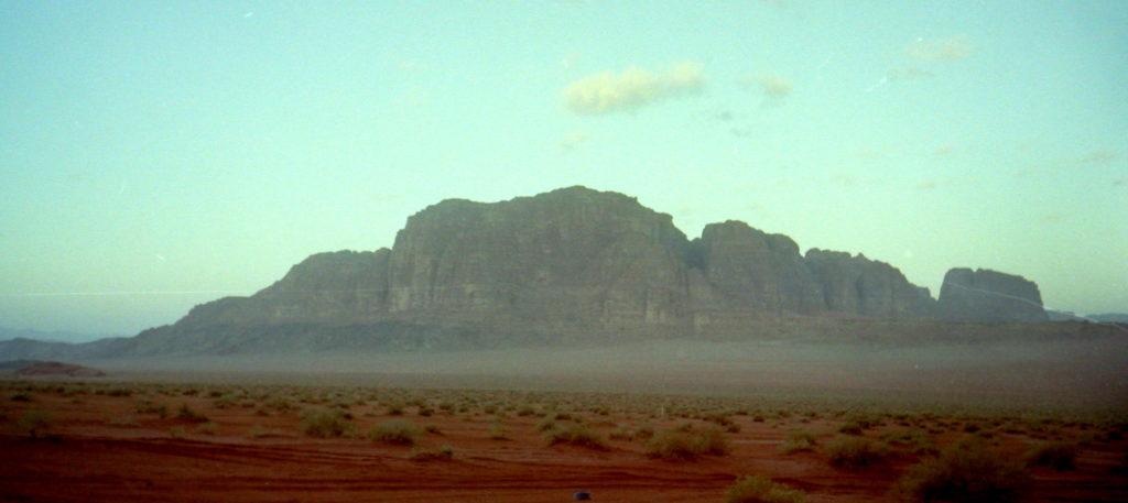 ナバテア人 ヨルダン ペトラ遺跡  謎の文明を解き明かす ナバテア文明 ペトラからアカバ(紅海)まで広がる砂岩の谷 ワジ・ラム/ワーディー・ラム(Wadi Rum) ワジは「涸れ川」ラムは「高い」