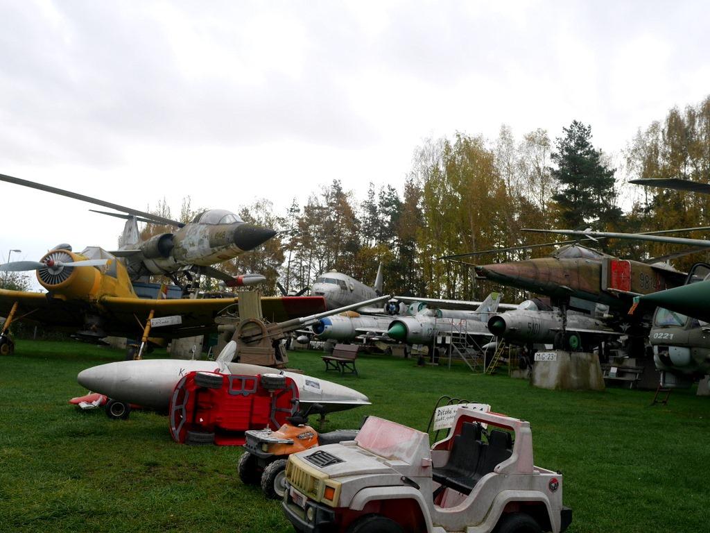 プルゼニ プルゼニュ ピルゼン チェコ ボヘミア 航空機博物館 AirPark   展示が雑(笑) な航空機博物館 @AirPark