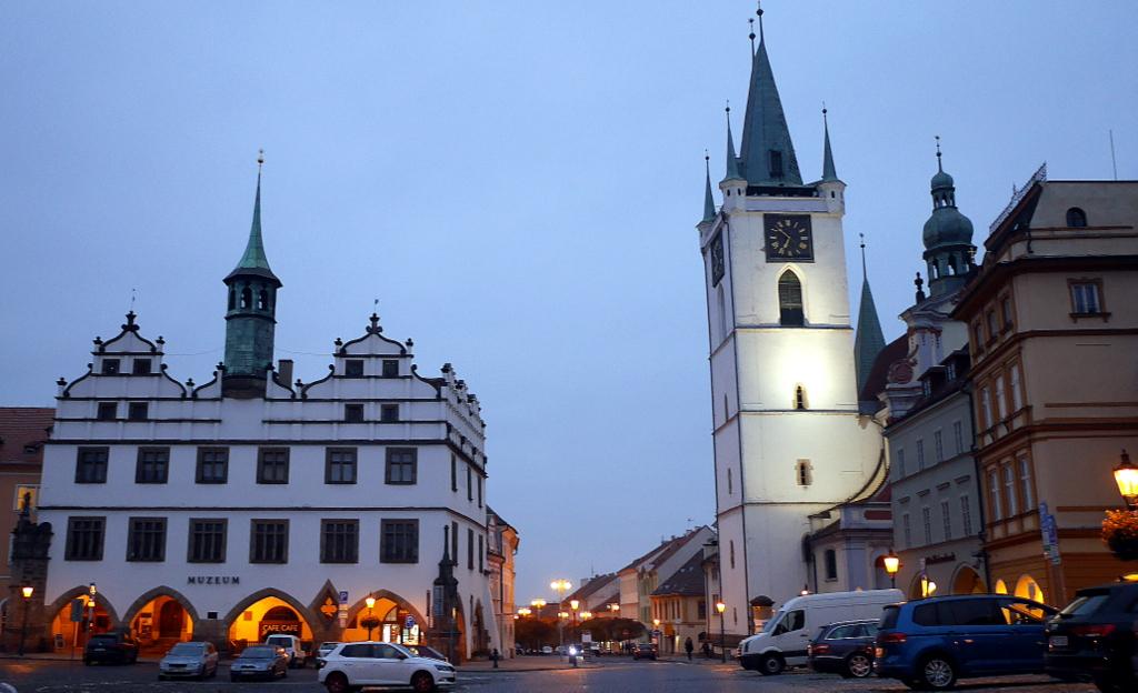 プラハ近郊の魅力的なチェコの田舎町 観光ガイド / リトムニェジツェ、ムシェネー・ラーズニェ、ズロンチツェ、ネラホゼヴェス