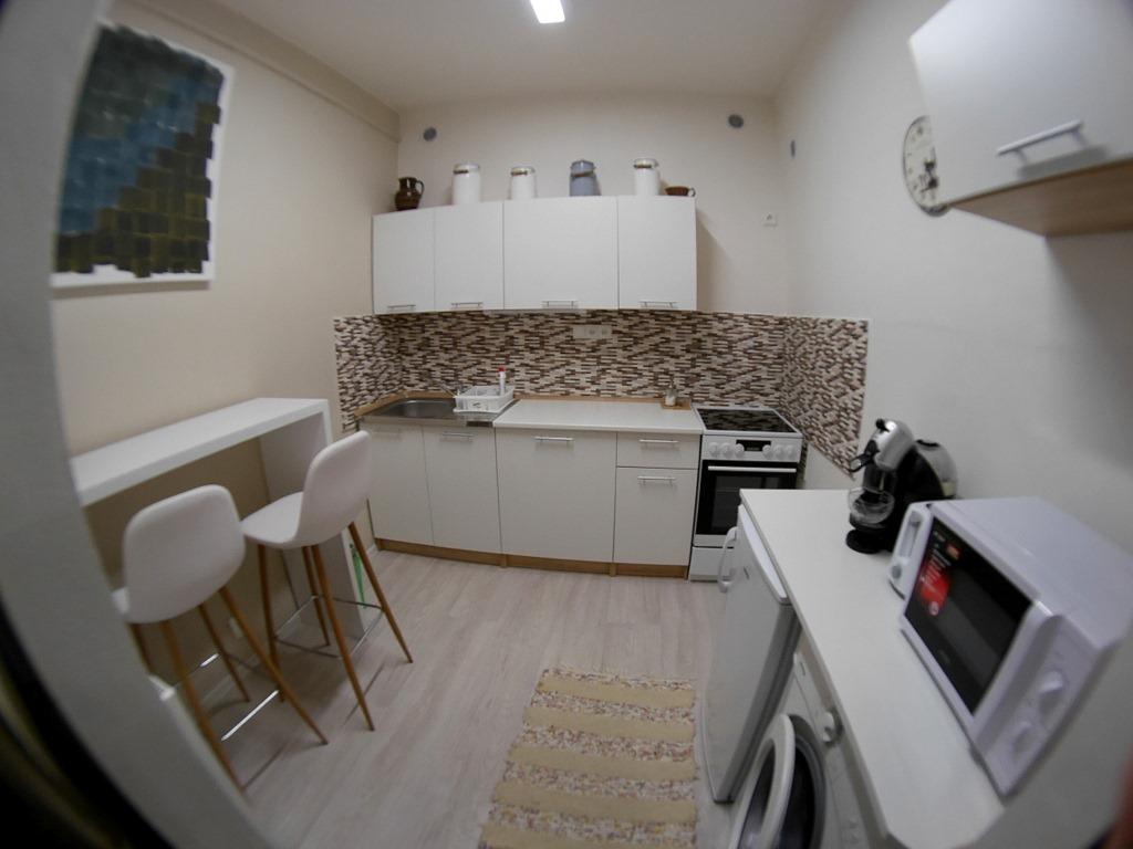 プラハ近郊 チェコ リトムニェジツェ リトミエルジツェ 広くて使いやすいキッチン @U svaté Ludmily
