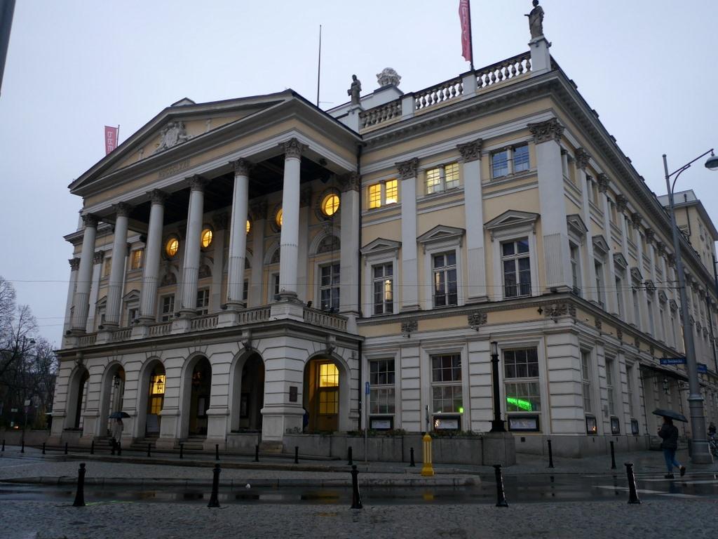 ヴロツワフ ブレスラウ シロンスクの芸術都市 オペラ座 NFM CDショップ ヴロツワフ歌劇場(Opera Wrocławska)