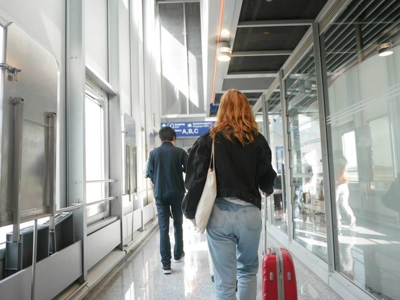デュッセルドルフ 乗り継ぎとドイツの税関は怖くない そのまま真っ直ぐ@Düsseldorf Airport