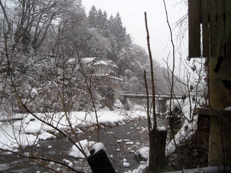 鉛温泉 藤三旅館 湯治部  湯治逗留 雪景色 年越し 自炊旅 湯治旅 自炊湯治 露天風呂からの景色「桂の湯」