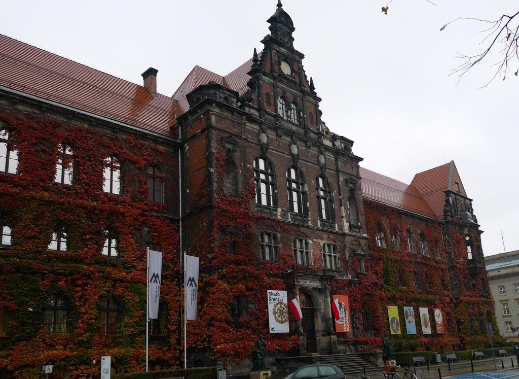ヴロツワフ ブレスラウ  美術館 シロンスクの芸術都市 国立博物館   ヴロツワフ国立博物館外観 @Muzeum Narodowe we Wrocławiu